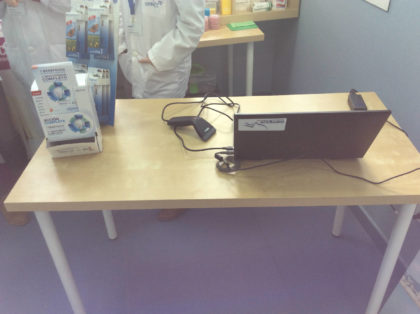Prácica de farmacia y parafarmacia con lector de código de barras