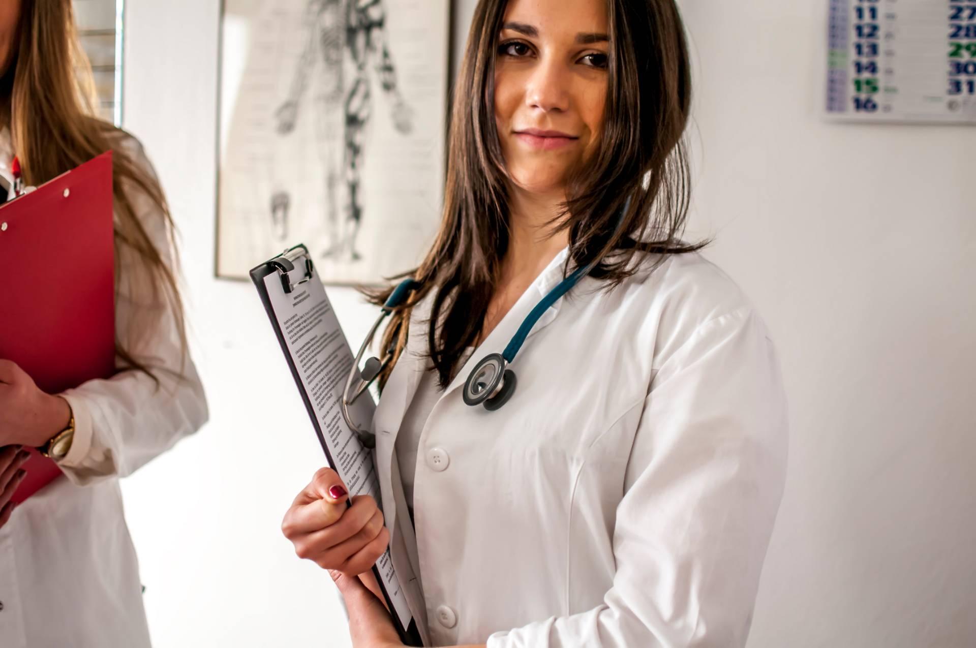 Las 6 cualidades del enfermero perfecto - Orientador Online