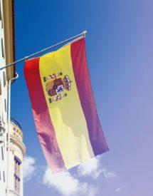 El sistema sanitario español con bandera de españa